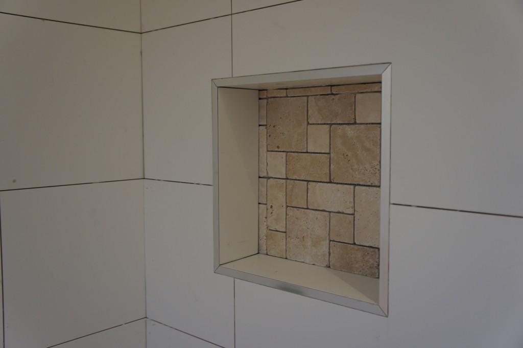 Niche tiled.
